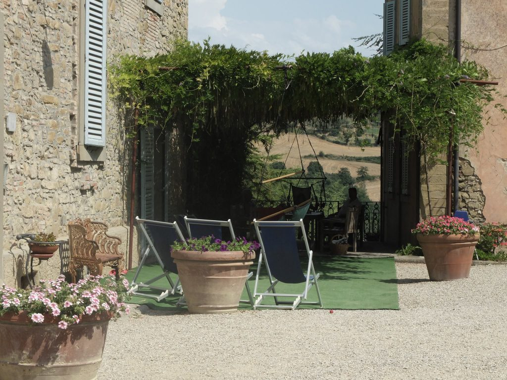 Villa Pia hammock swing